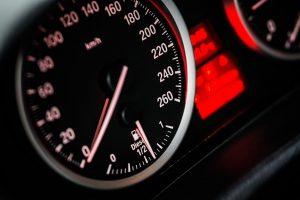 """Į darbą skubėjęs """"VW Golf"""" vairuotojas lėkė 118 km/val. greičiu"""