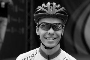 Mirė dviratininko R. Rumšo 21-erių metų sūnus