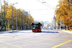 Visų Šventųjų ir Vėlinių metu – eismo ribojimai, dažnesnis viešasis transportas