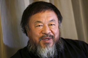 """""""Amnesty International"""" premija – menininkui A. Weiwei ir dainininkei J. Baez"""