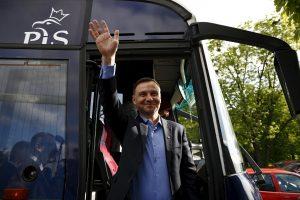 Lenkijos prezidento rinkimų pirmąjį turą laimėjo A. Duda