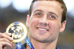 Pasaulio čempionate plaukikai ketvirtadienį išsidalijo penkis medalių komplektus