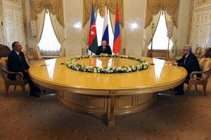 V. Putinas susitiko su Azerbaidžano ir Armėnijos lyderiais aptarti Karabacho klausimo