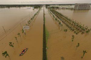 Kinijoje potvyniai nusinešė beveik 200 žmonių gyvybes