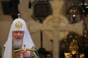 Būsimas patriarcho Kirilo susitikimas su Elizabeth II provokuoja nepasitenkinimą
