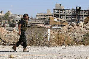 Sirijos sukilėliai raketomis apšaudė evakuacijos koridorių Alepe