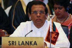 Šri Lankos pareigūnai galės nusimesti eilutes ir kaklaraiščius