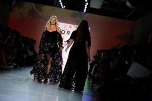 Niujorko madų savaitėje pristatė drabužių kolekciją apkūnioms moterims