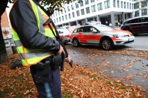 Miunchene peiliu ginkluotas vyras sužeidė kelis žmones