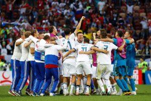 Netikėtumas: Rusijos futbolininkai žengė į pasaulio čempionato ketvirtfinalį