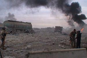 Kurdų karys už saugumą kovoja peiliuku ir replytėmis