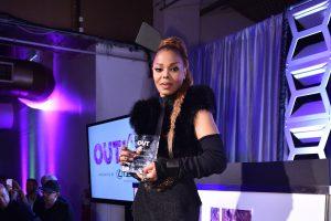 """J. Jackson šiemet pelnė žurnalo OUT 2017-ųjų """"Music Icon Award"""" apdovanojimą"""