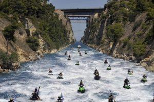 Graikijoje nuošliauža užvertė Korinto kanalą