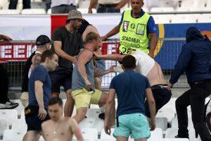 Rusijos sporto ministras pasipiktino dėl aistruolių susirėmimų per Europos čempionatą