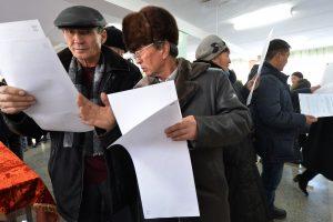 Kirgizijoje surengtas konstitucinis referendumas laikomas įvykusiu