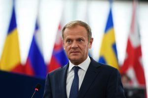 D. Tuskas kritikuoja Lenkiją už tai, kad ji vengia solidarumo su migrantais