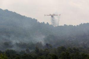 Ugniagesiai kovoja su naujais gaisrais pietų Prancūzijoje