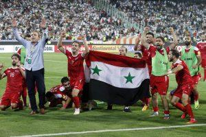 Irano programišiai reikalauja, kad moterims būtų leista žiūrėti futbolą