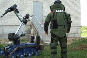 """Policija perka robotą """"Aro"""" išminavimo operacijoms"""