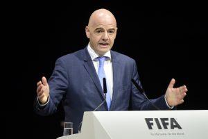 """A lygoje triumfavusiai """"Sūduvai"""" – FIFA prezidento sveikinimas"""