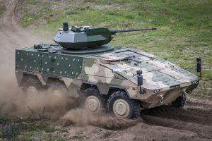 Lietuvos kariai mokosi organizuoti karinį rengimą su pėstininkų kovos mašinomis