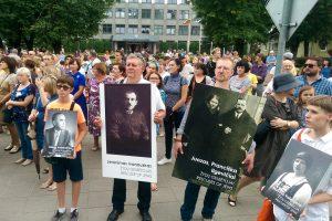Molėtuose Atminties maršu pagerbtos Holokausto aukos