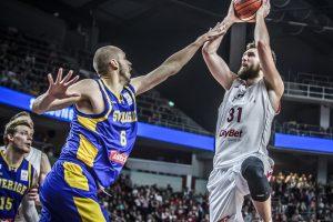 Latvijos krepšininkai pasaulio čempionato atrankoje įveikė švedus