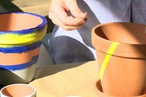 Papuoškite namus vazonėliais, dekoruotais geometriniais raštais
