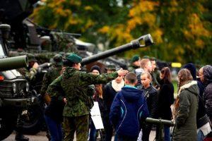 Vyresnių klasių moksleiviams – susipažinimas su kariuomene