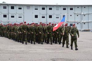 NATO priešakinių pajėgų batalione Rukloje tarnybą pradėjo Čekijos kariai