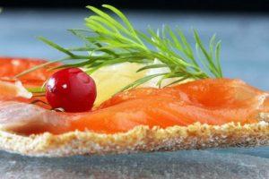 Rusija ketina nuo sausio uždrausti lašišų importą iš Norvegijos