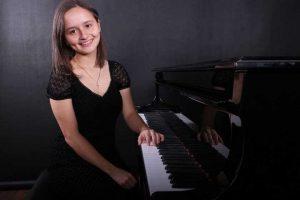 Kaune koncertuos jaunoji pianistė iš Kosta Rikos