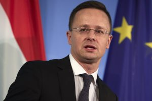 Vengrija lieka griežta pabėgėlių klausimu