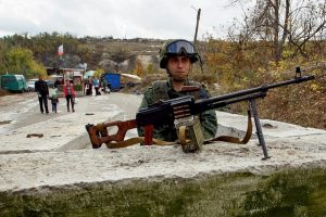 """Maskva Kijevo priimtą """"rusiškos okupacijos"""" įstatymą pavadino pasiruošimu karui"""