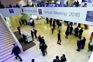 Pasaulio galingieji Davose dėl kibernetinių atakų skambina pavojaus varpais