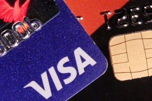 """Europoje sutriko atsiskaitymai """"Visa"""" kortelėmis"""