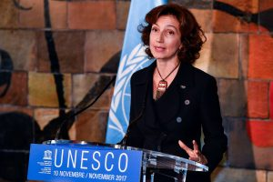 Naujoji UNESCO vadovė prisiekė grąžinti vienybę sutrikusiai agentūrai