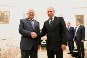 V. Putinas Maskvoje priėmė palestiniečių lyderį