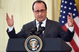 """Prancūzijos prezidentas: jei Th. May nori kietos """"Brexit"""", tai ir derybos bus kietos"""