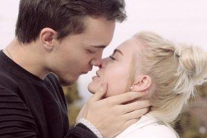 Bučiuotis reikia atsargiai: taip perduodamos trys ligos