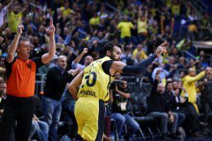 """Įsibėgėjusius """"Valencia"""" krepšininkus sustabdė Eurolygos čempionai"""