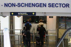Vilniaus ir Kauno oro uostuose pasieniečiams įkliuvo du ieškoti lietuviai