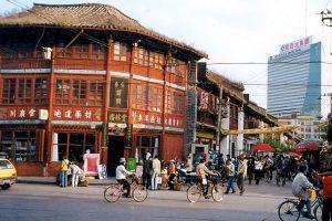Kiniją apkeliavusią lietuvę sužavėjo regionas, kuriame – net 23 etninės grupės