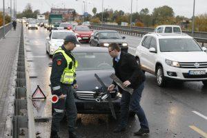 Klaipėdos gatvės užsikimšo dėl metalinės avarijos