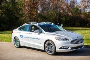 """Ateitis atvažiuoja pati: kaip veikia autonominis """"Ford Fusion Hybrid"""""""