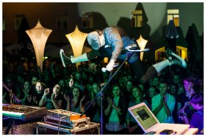 """""""Suicide DJs"""": tie, kurie tiki – neišduoda"""
