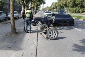 Avarija Žvejybos uosto rajone: automobilis skriejo į priešpriešą ir neteko ratų
