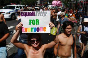 JAV aktyvistės kovoja be liemenėlių