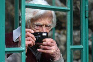 Mirė nespalvotos fotografijos meistras prancūzas M. Riboud