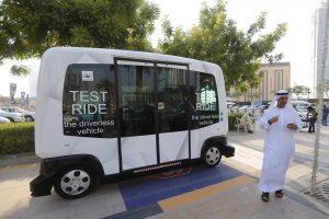 Dubajuje pradėjo kursuoti autonominiai autobusai